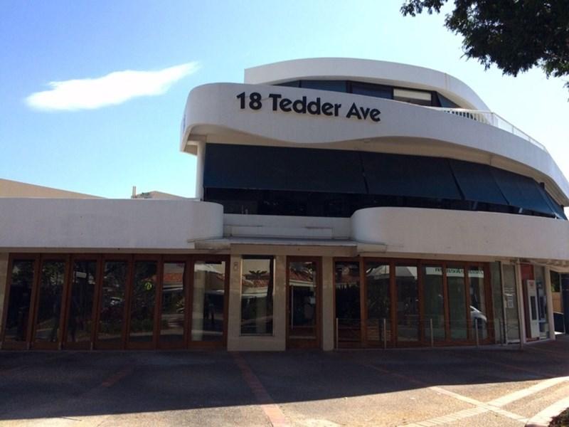18 Tedder Avenue MAIN BEACH QLD 4217