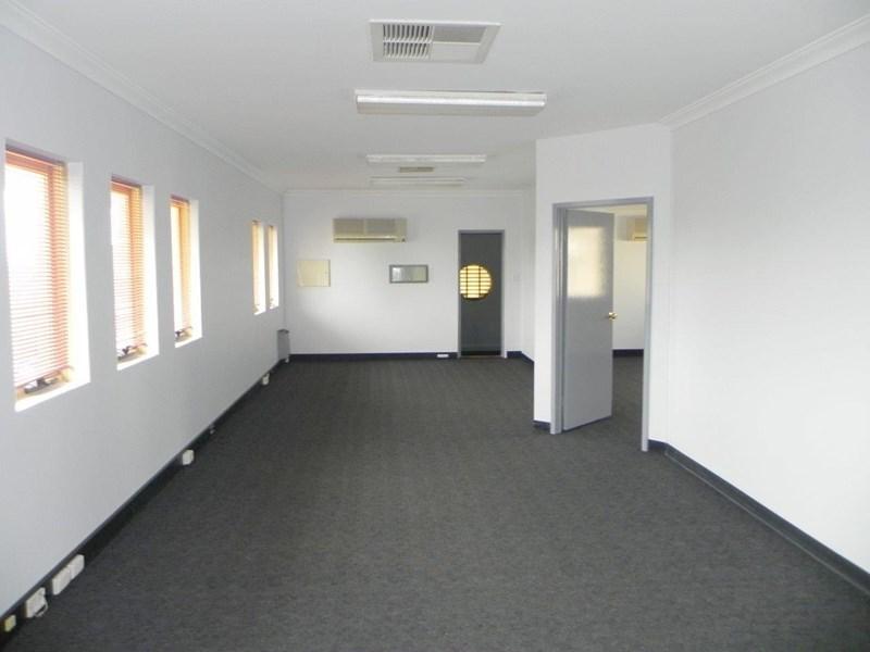 Suite 3 / 16 Mead Street KALAMUNDA WA 6076