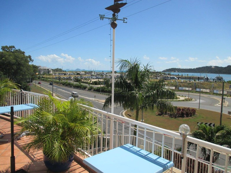 1 Hermitage Drive AIRLIE BEACH QLD 4802