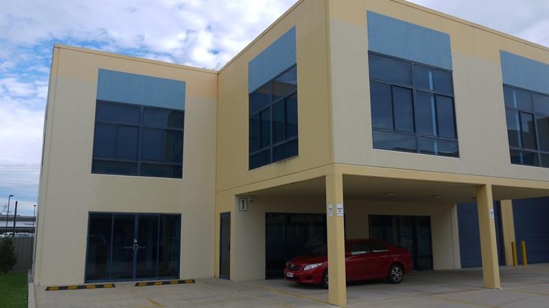 1/3-5 Hinkler Court BRENDALE QLD 4500