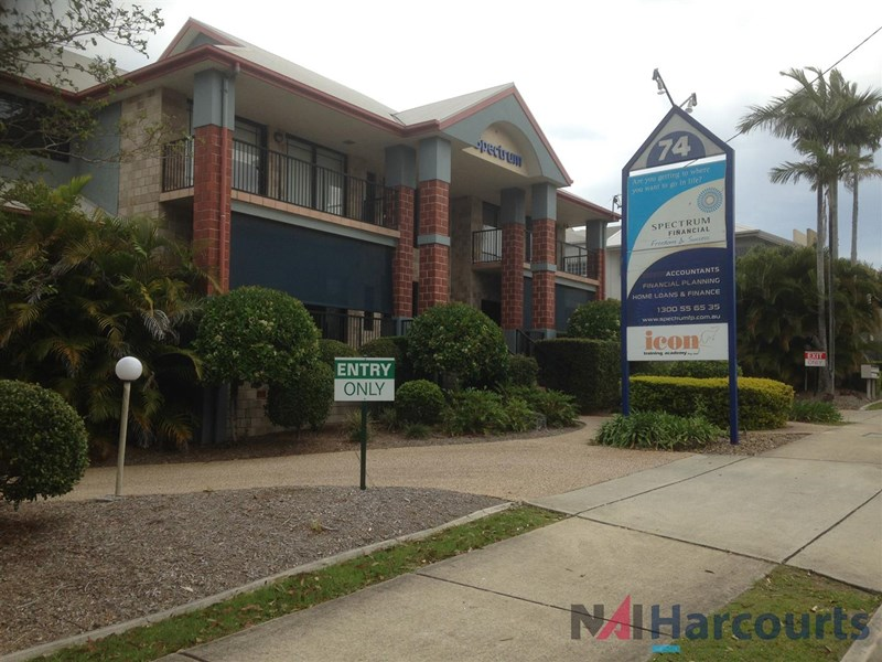 2/74 Smith Street SOUTHPORT QLD 4215