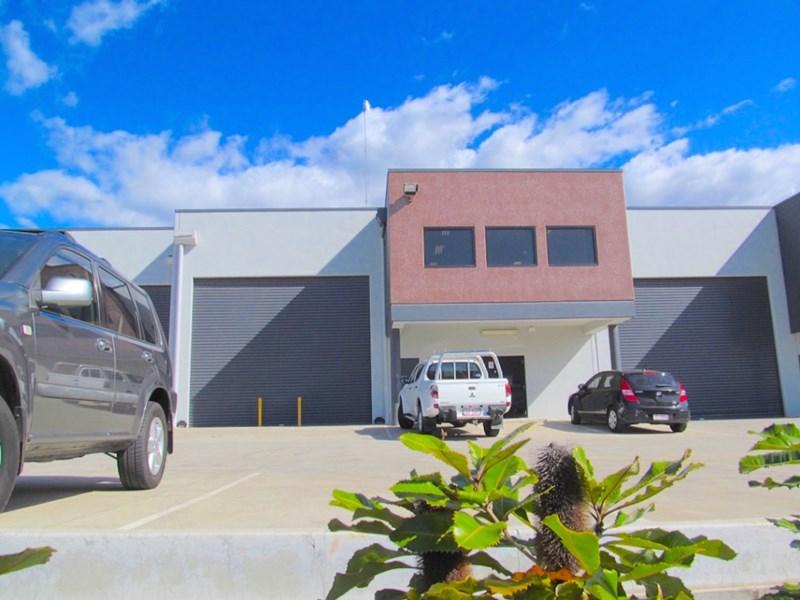 Unit 2 / 242 New Cleveland Road TINGALPA QLD 4173