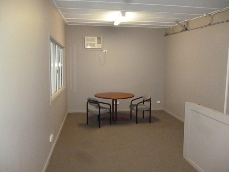 4/23 Caloundra Road CALOUNDRA WEST QLD 4551