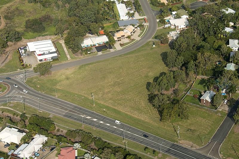 82 Shute Harbour Road CANNONVALE QLD 4802