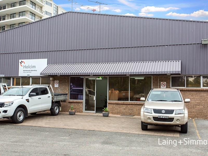 23-25 Windsor Road NORTHMEAD NSW 2152