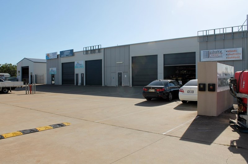22 Commercial Avenue SVENSSON HEIGHTS QLD 4670