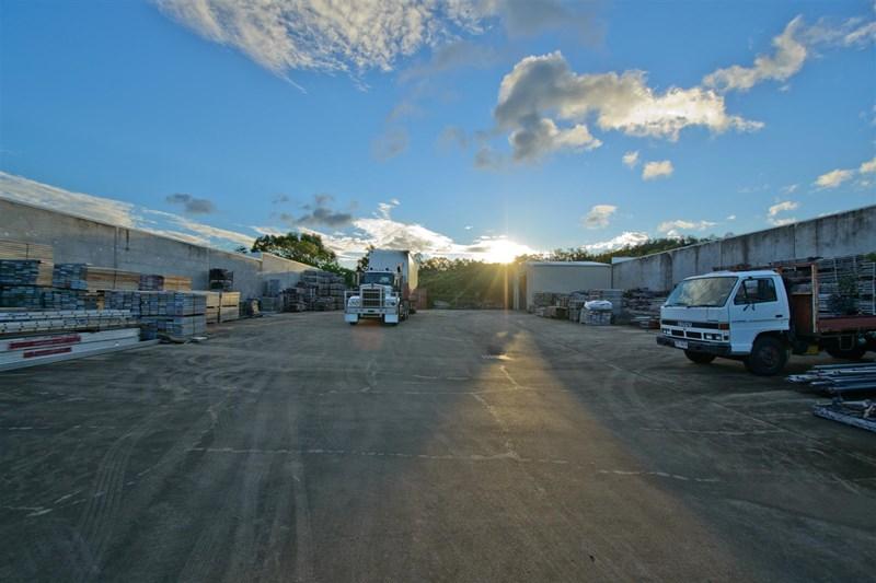 10 Myer Lasky Drive CANNONVALE QLD 4802