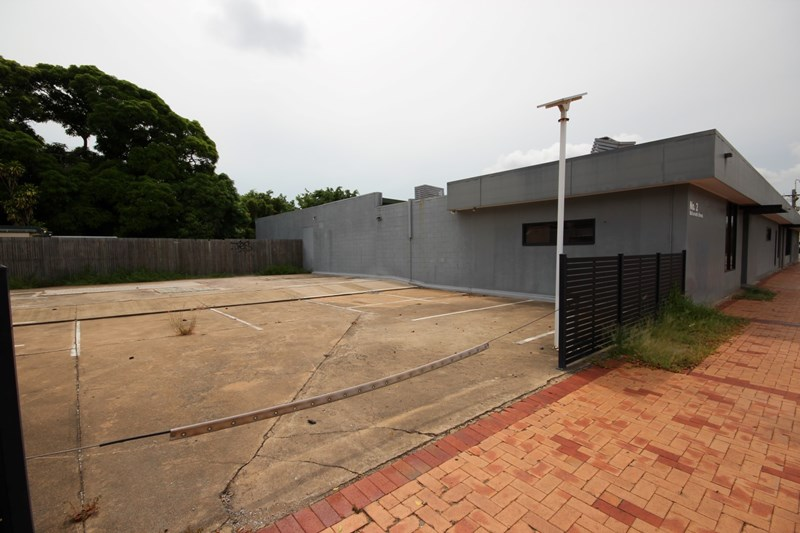 2 McIlwraith Street TOWNSVILLE CITY QLD 4810