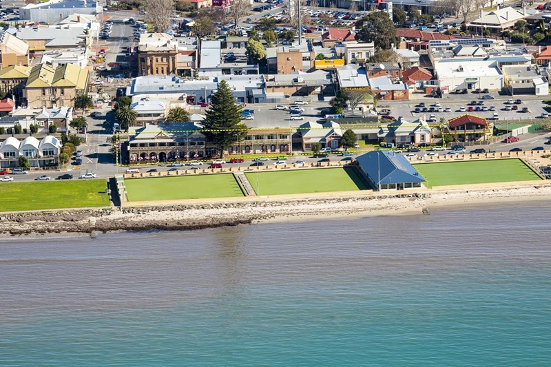 21-25 Flinders Parade VICTOR HARBOR SA 5211