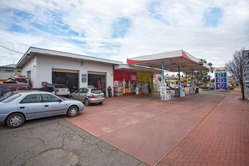 74 Hanson Road WOODVILLE GARDENS SA 5012