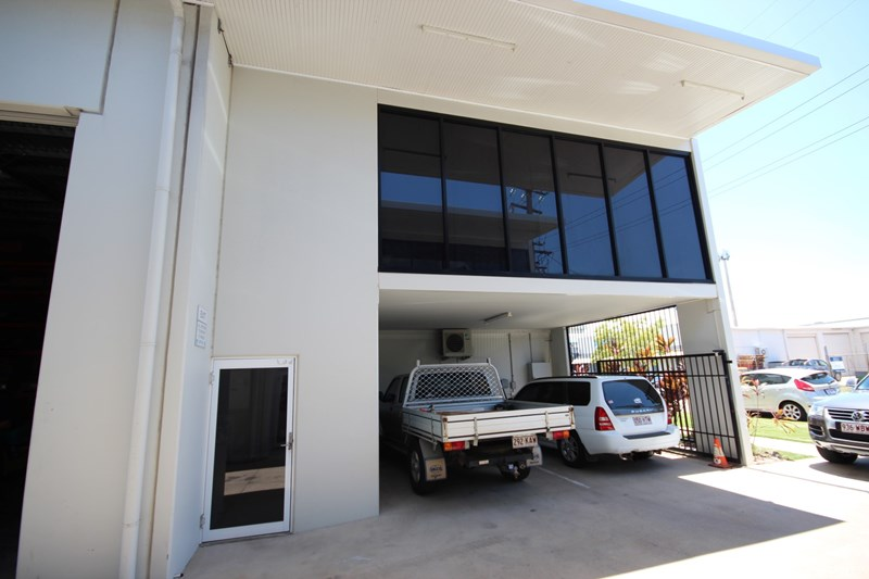 11 Smith Street HYDE PARK QLD 4812