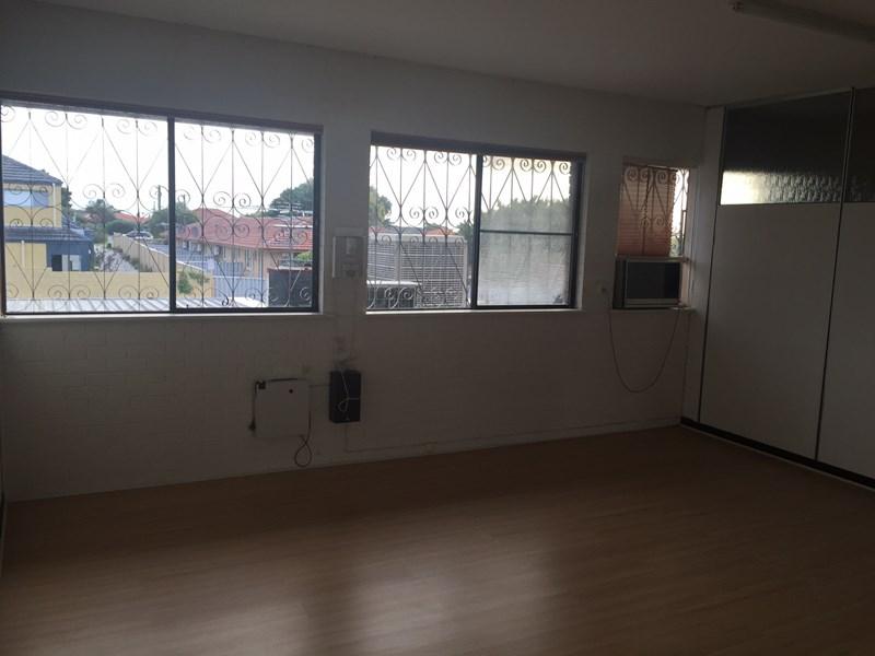 Suite 4, 215 Main Street OSBORNE PARK WA 6017