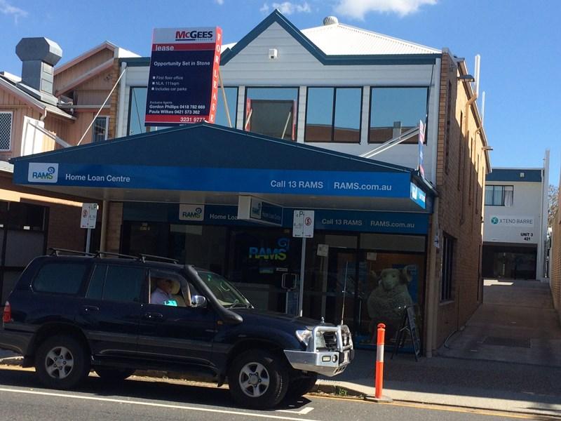 2/421 Logan Road GREENSLOPES QLD 4120