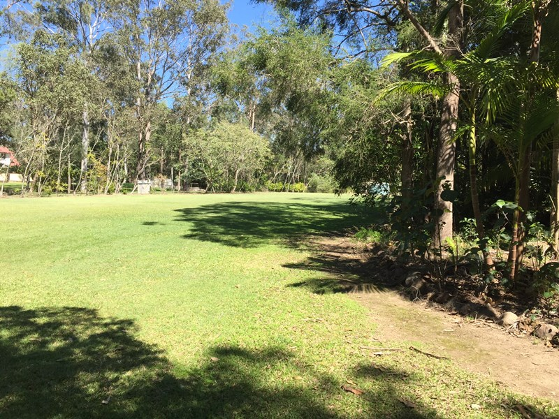 101,103 & 105 Todds Road LAWNTON QLD 4501