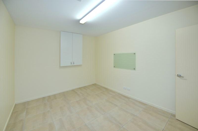 Unit 11b/11 Bartlett Street NOOSAVILLE QLD 4566