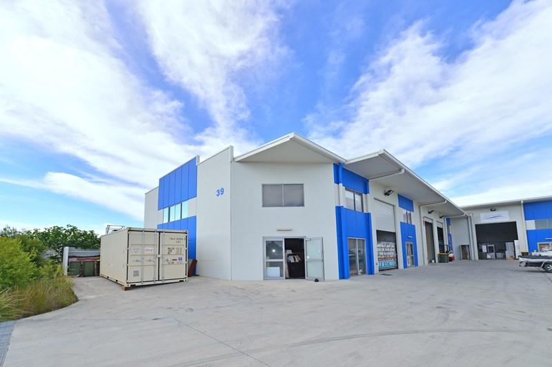 Unit 2/39 Link Crescent COOLUM BEACH QLD 4573