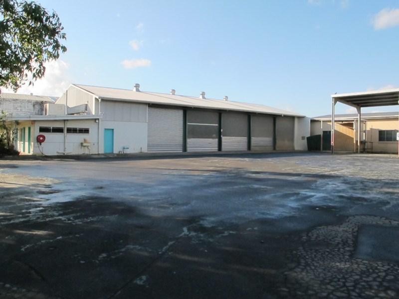 236-240 McCormack Street MANUNDA QLD 4870