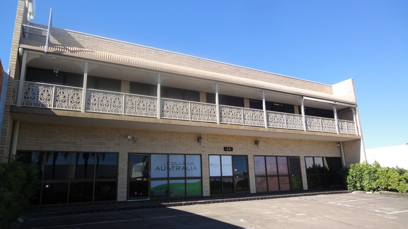 24 Bay Street SOUTHPORT QLD 4215
