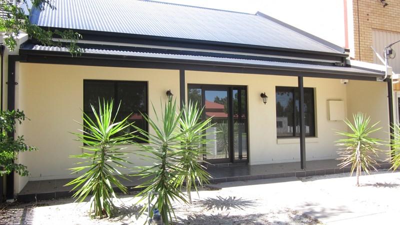33 Blake Street WAGGA WAGGA NSW 2650