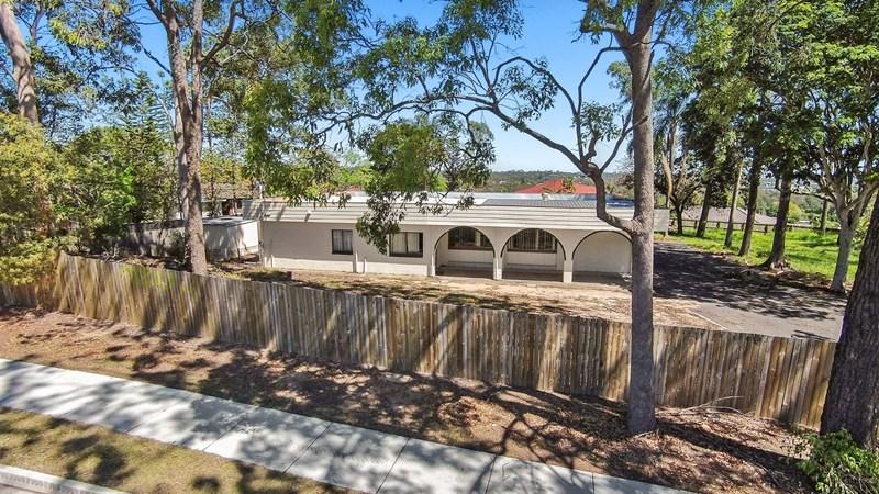 89 Old Logan Road CAMIRA QLD 4300