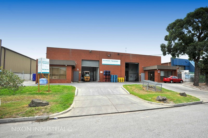 1 & 2/5 Red Gum Drive DANDENONG SOUTH VIC 3175