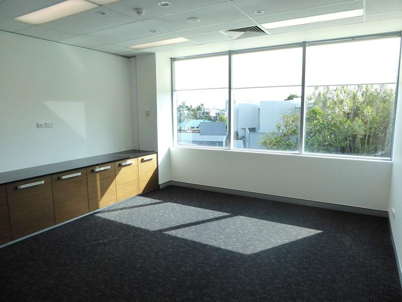 BROADBEACH QLD 4218