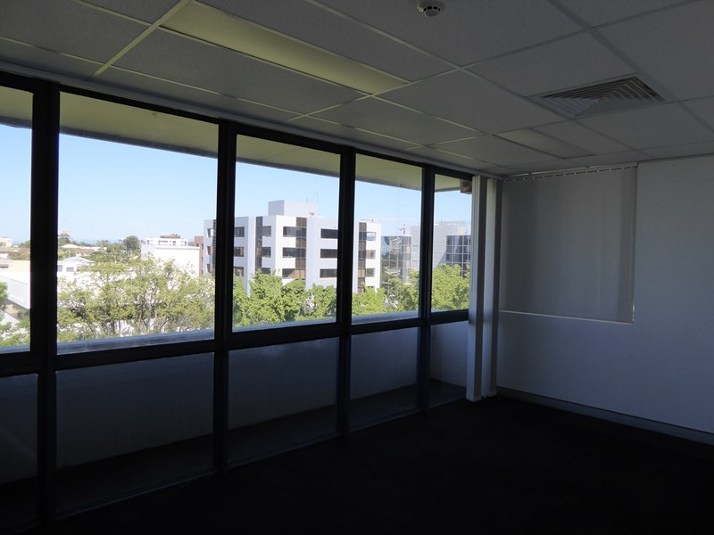 7 Short Street SOUTHPORT QLD 4215