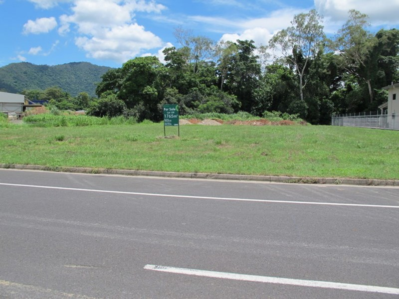 25 Vickers Street CAIRNS QLD 4870