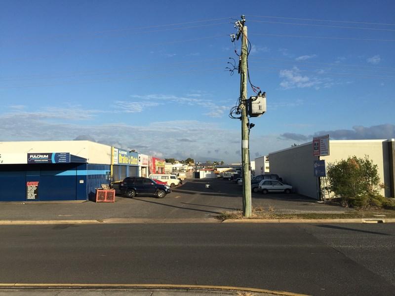 66 Yarroon Street GLADSTONE CITY QLD 4680
