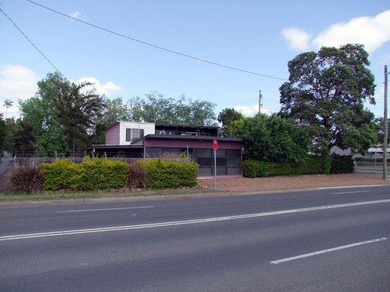 1 Maitland Road SINGLETON NSW 2330
