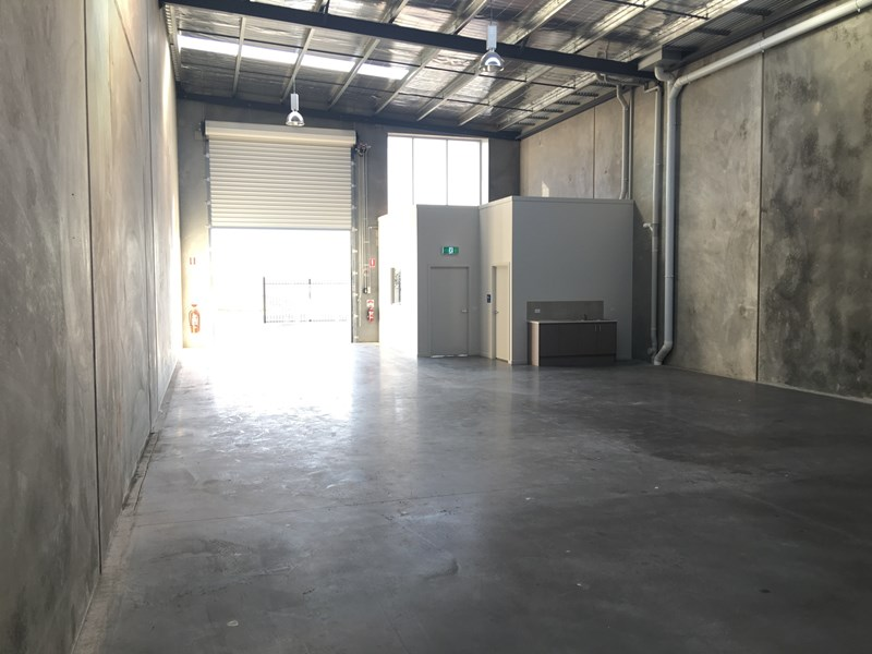 Warehouse /13 Independent Way RAVENHALL VIC 3023