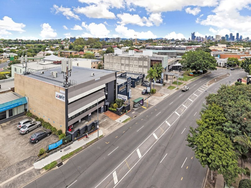 449 Logan Road GREENSLOPES QLD 4120