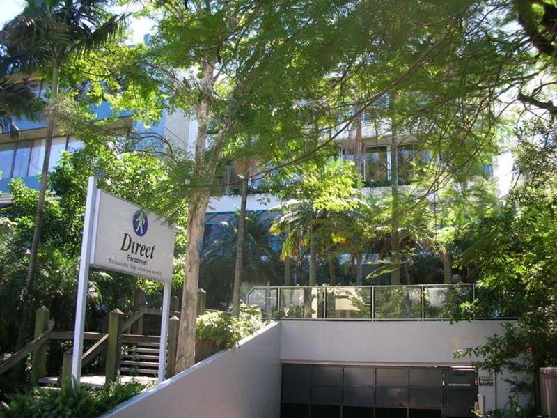 17 Short Street SOUTHPORT QLD 4215