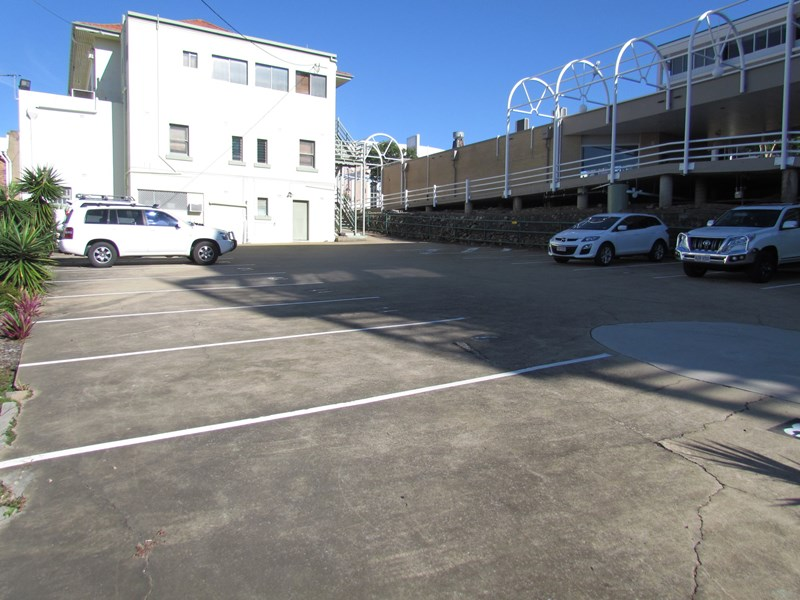First Floo/114 Goondoon Street GLADSTONE CITY QLD 4680