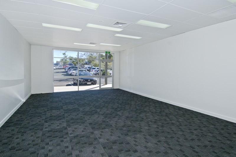 3 Dennis Road SPRINGWOOD QLD 4127