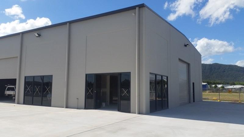 2/1 Myer Lasky Drive CANNONVALE QLD 4802