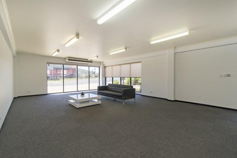 14 Molloy Street TOOWOOMBA CITY QLD 4350