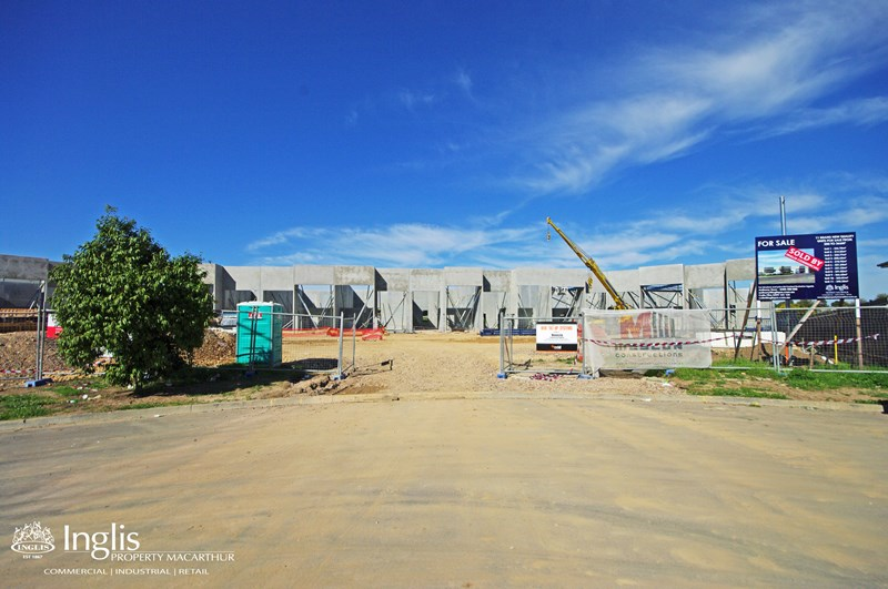 Unit 2 Lot 305 Lone Pine Place SMEATON GRANGE NSW 2567