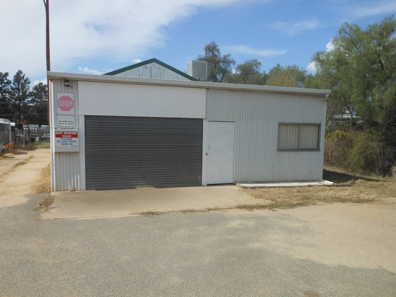 81 Old Temora Rd YOUNG NSW 2594