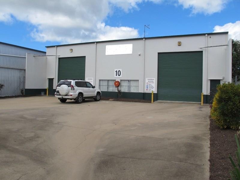 10 Vickers Street EDMONTON QLD 4869