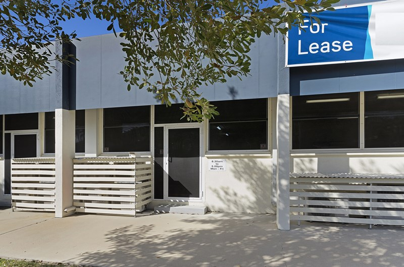 4 / 36 Ingham Road WEST END QLD 4810