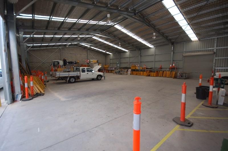 81 Catherine Crescent LAVINGTON NSW 2641