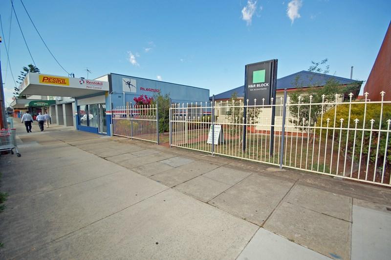 2/319 Urana Road LAVINGTON NSW 2641