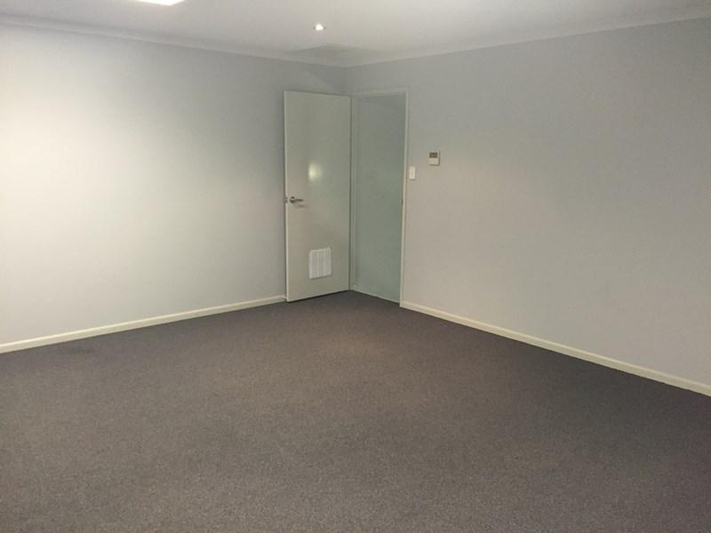 2/5 Peachester Road BEERWAH QLD 4519