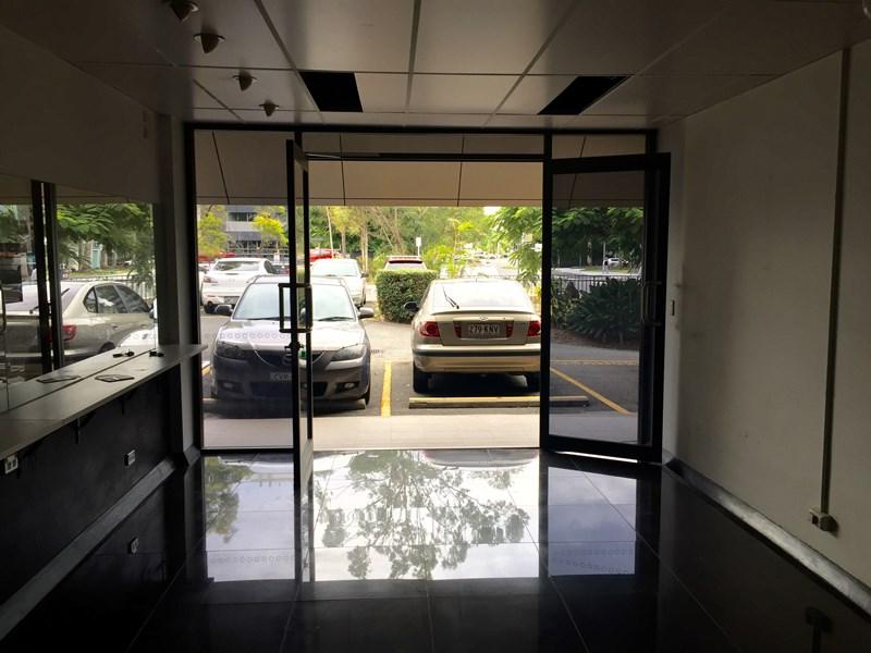 3/ 11 Karp Court BUNDALL QLD 4217