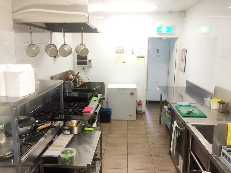 8/5 Julie Street CRESTMEAD QLD 4132