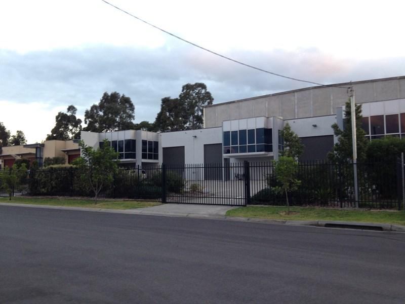 1/7 Luso Drive UNANDERRA NSW 2526