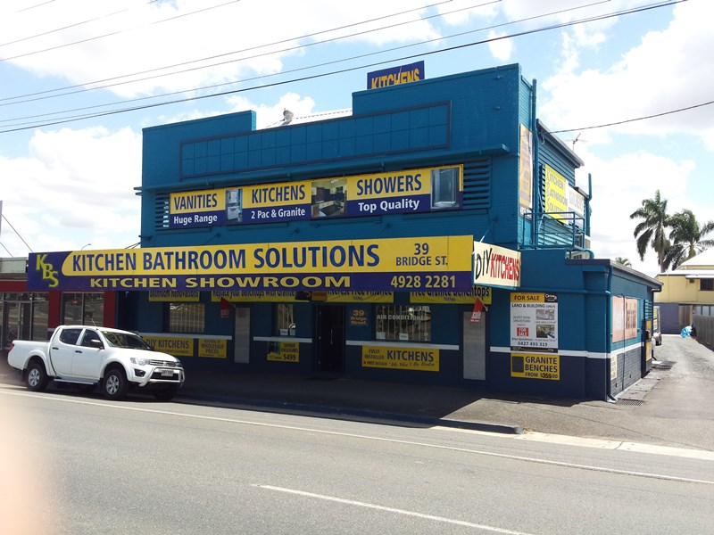39 Bridge Street ROCKHAMPTON CITY QLD 4700