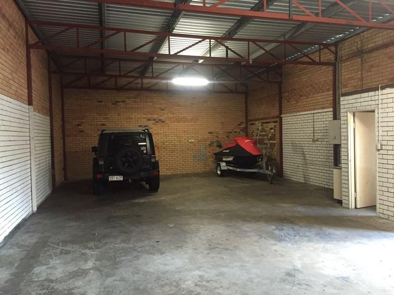 4/5 Commerce Avenue WARANA QLD 4575