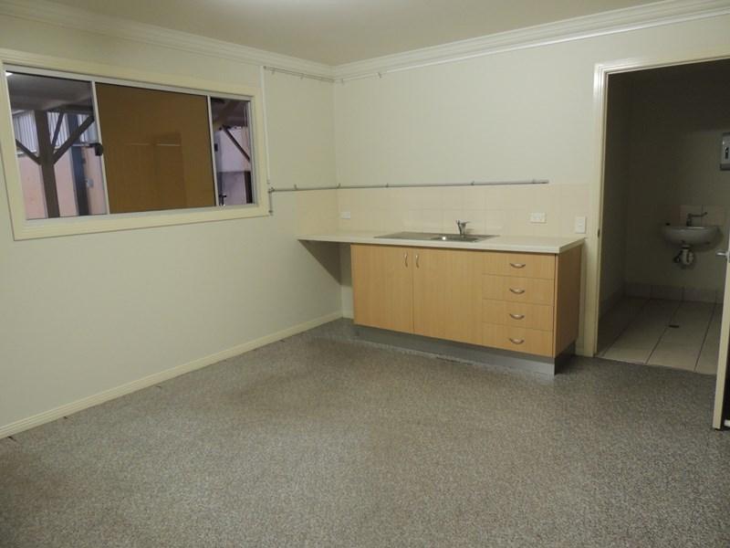 3/7 Angel Road STAPYLTON QLD 4207